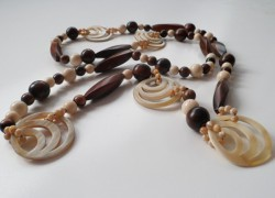 collana di corno, collane etniche