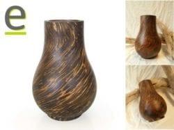 Vaso di legno ornamentale